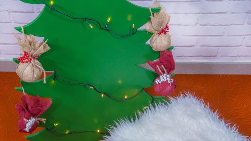 Cómo hacer bolas de Navidad con poliespán