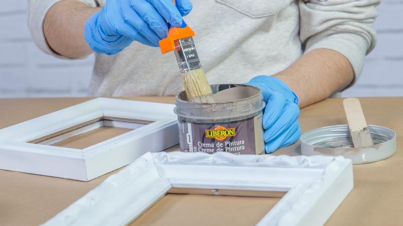 Aplicación de la crema de pintura