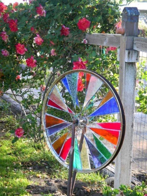 rueda de bicicleta reciclada para molinillo de viento