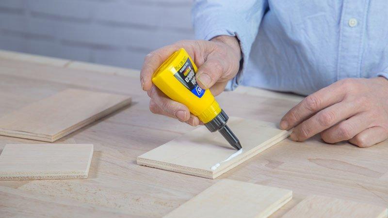 Encolado de las piezas de madera