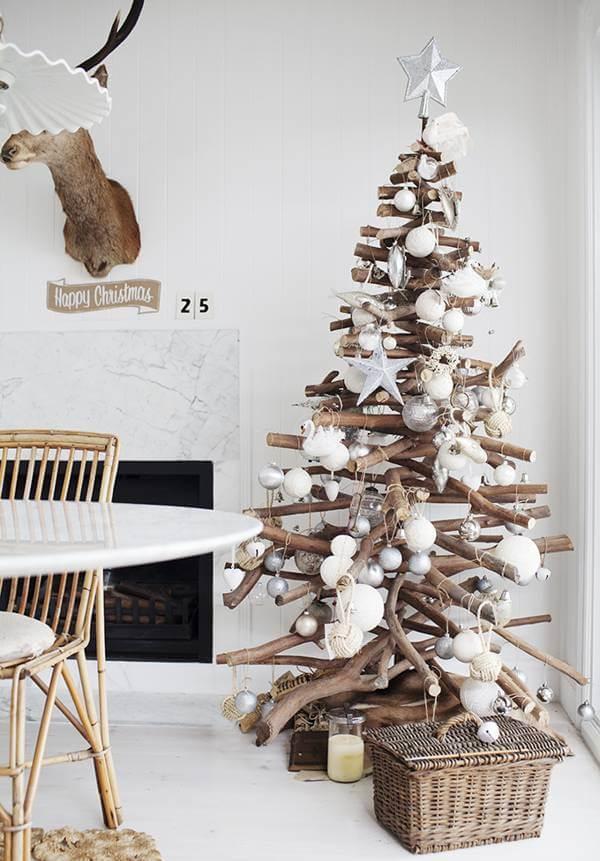 arboles-de-navida-originales-hecho-con-troncos-de-madera