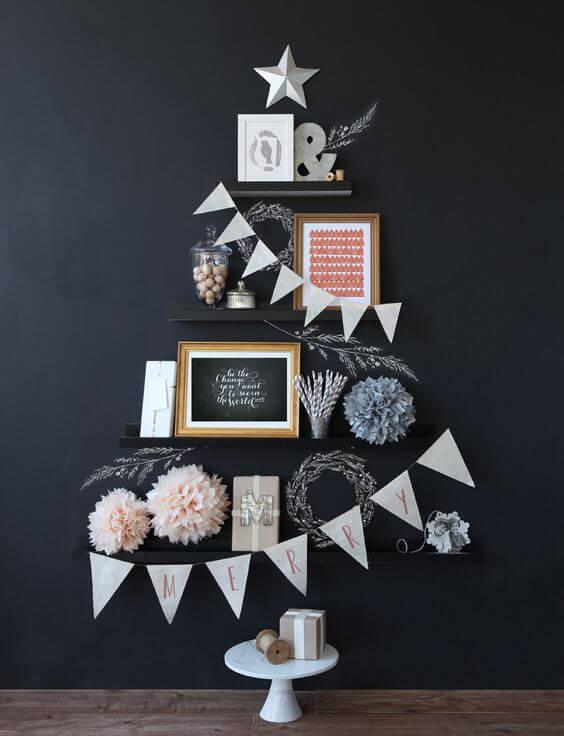 arboles-de-navidad-originales-estanteria-de-pared-con-banderines