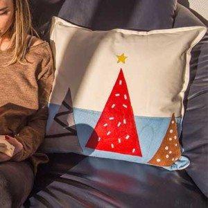 Cojín navideño con fieltro