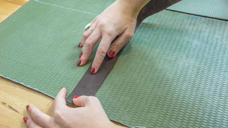 Pegado de las alfombras entre sí