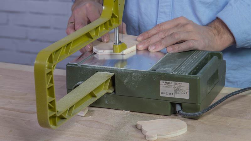 Colgadores de madera con forma de animales handfie diy for Colgadores de madera