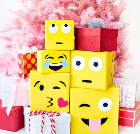 Envoltorio de regalo con iconos