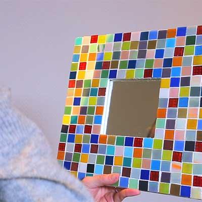 Cómo hacer un espejo con mosaico - Handfie DIY