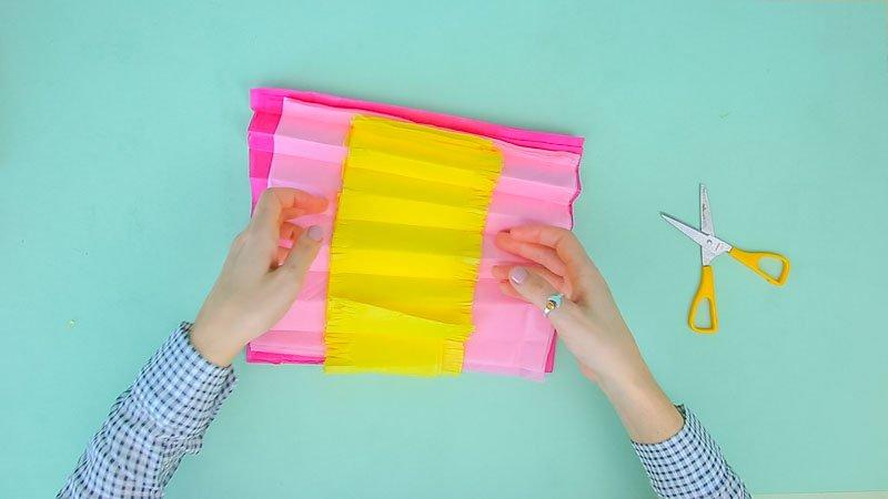 Proceso para crear una hortensia de papel de seda