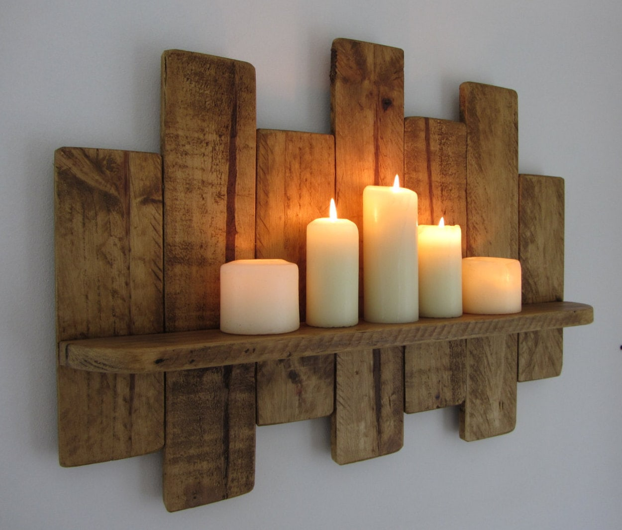 Estante decorativo hecho con pallets