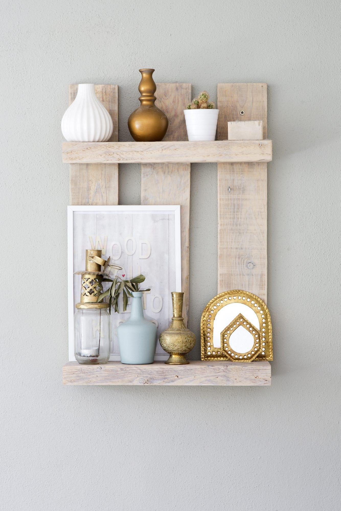Muebles con palets 15 ideas para aprovecharlos handfie diy - Jardineras con palets de madera ...