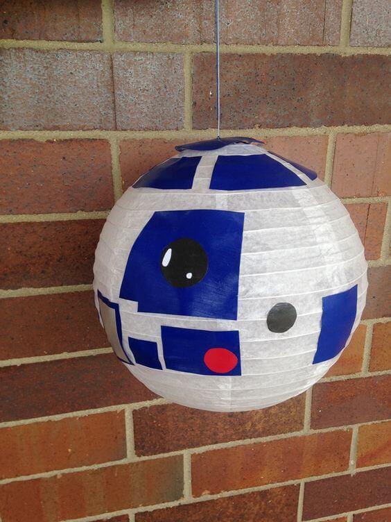 Piñata con la cabeza de R2D2 de Star Wars