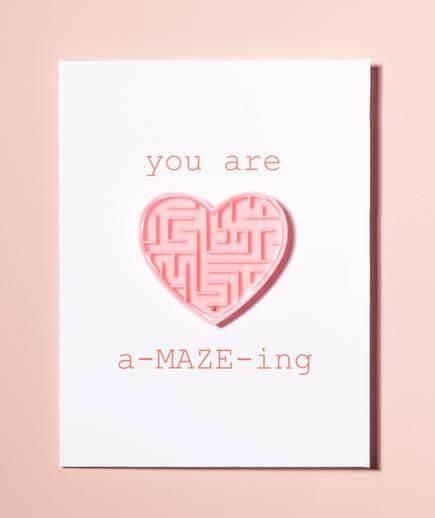 felicitaciones-para-san-valentin-con-laberinto-con-forma-de-corazon-rosa