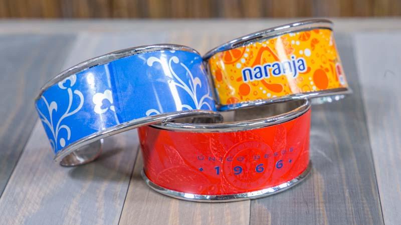 Como hacer pulseras con latas de refresco