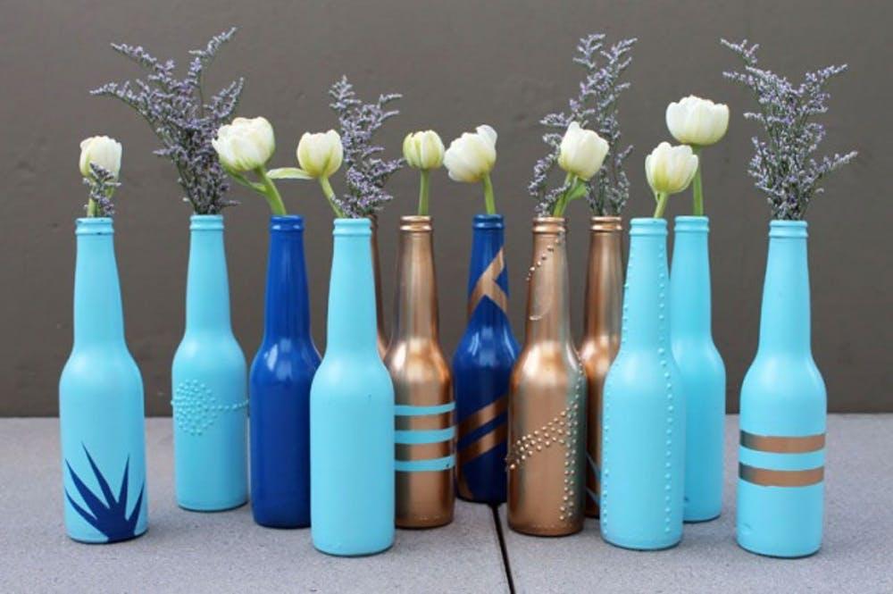 Botellas decoradas 15 ideas para transformarlas - Manualidades con botellas de cristal ...