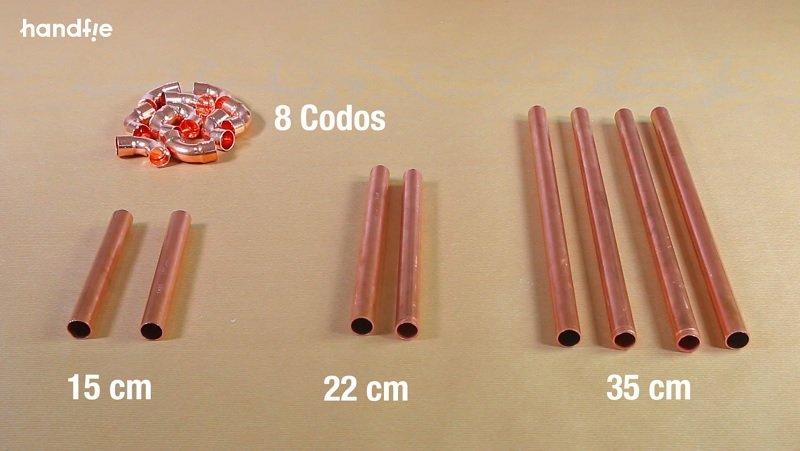 Medidas del revistero con tubos de cobre