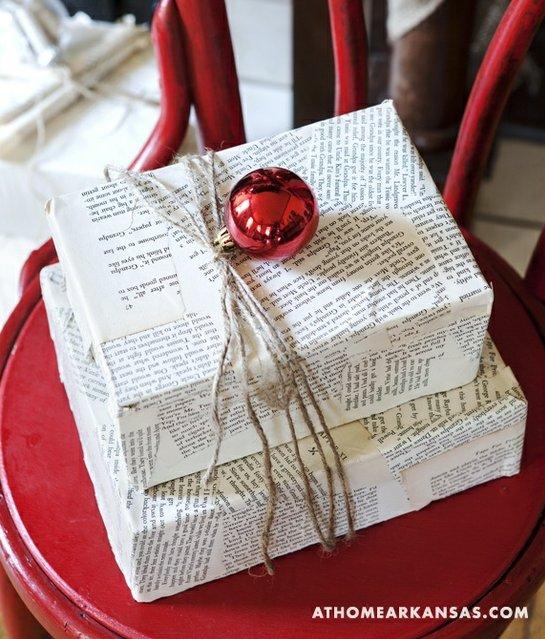 Envoltorio de regalo con papel de periódico