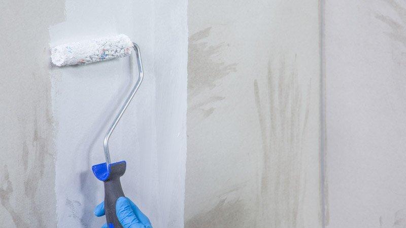C mo pintar una pared manchada y hacer una pizarra - Como quitar manchas en la pared ...