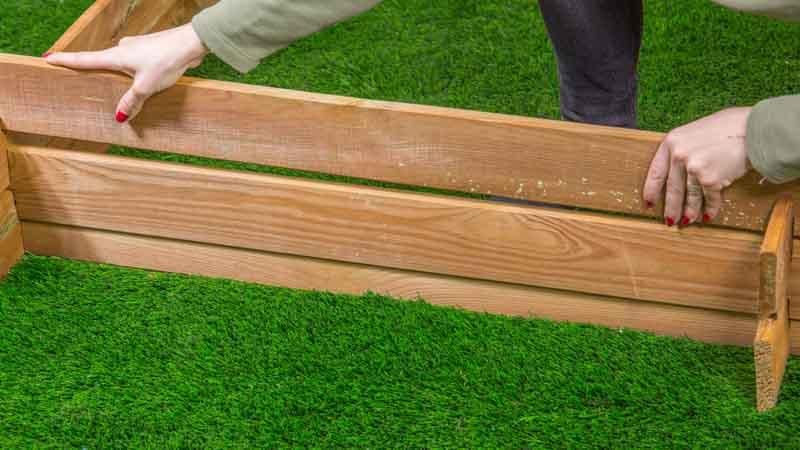 Montaje huerto urbano madera Catral