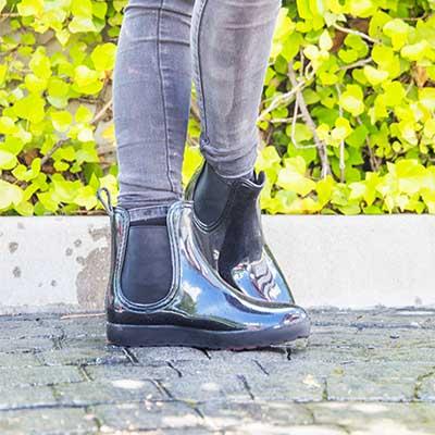 Pegar la suela de zapatos