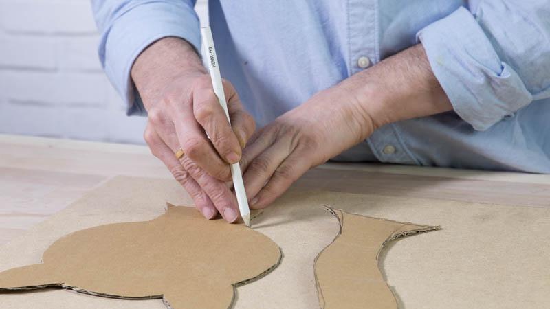 Creación de las piezas de madera para el adorno de jardín