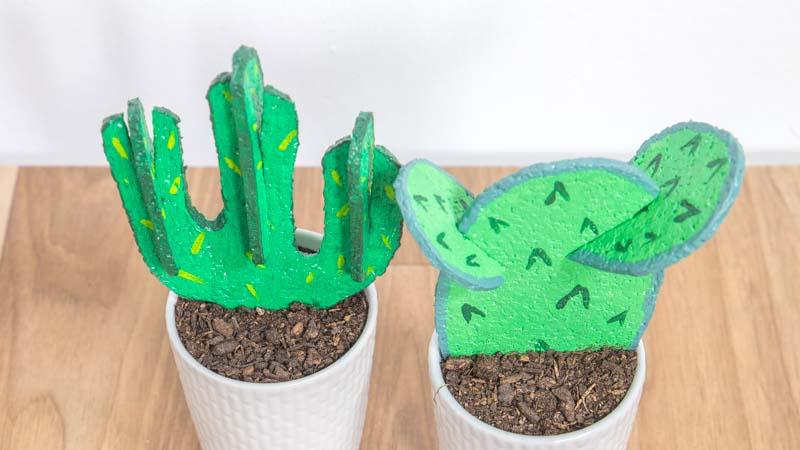 Cómo hacer cactus con corcho