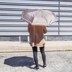 Cómo reparar las varillas de un paraguas
