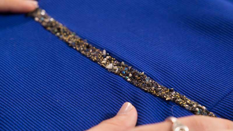 Pasamanería para la cintura de un vestido