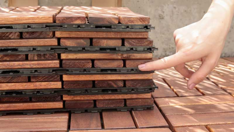 Sistema de anclaje de las baldosas clickwood de catral