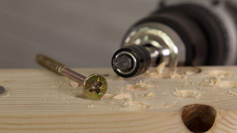 Uso de tornillos Spax con herramientas eléctricas