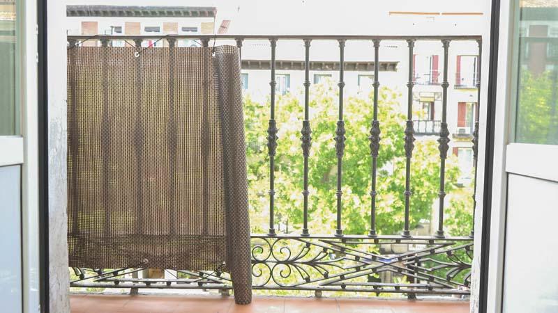 Colocación de la malla balcony de catral