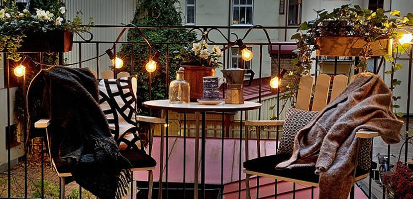 Terrazas pequeñas con iluminación decorativa
