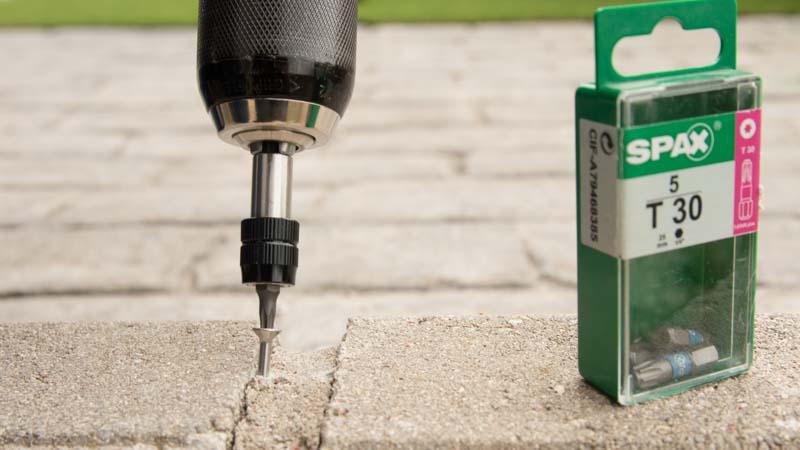 Atornillado de tornillos spax en cemento