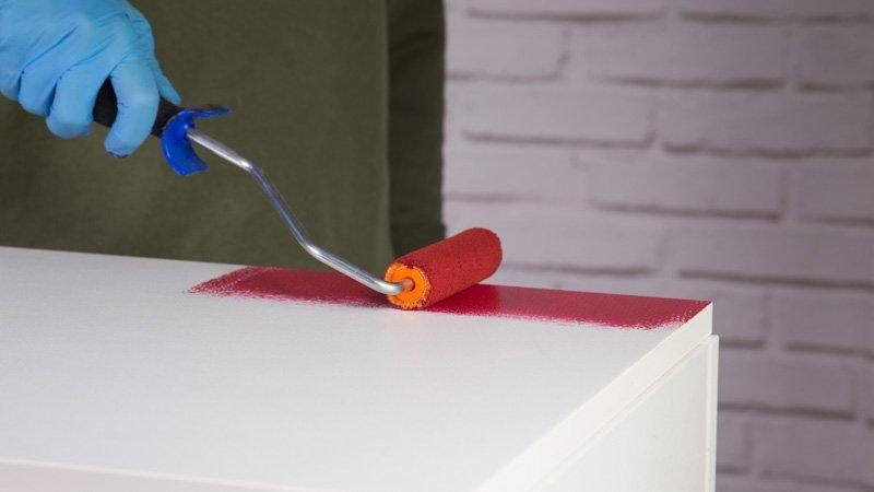 Cómo pintar un mueble lacado