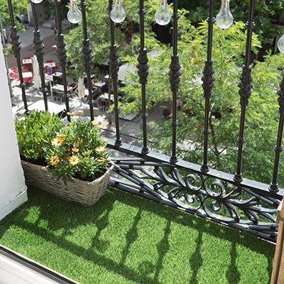 Cómo instalar césped artificial en el balcón
