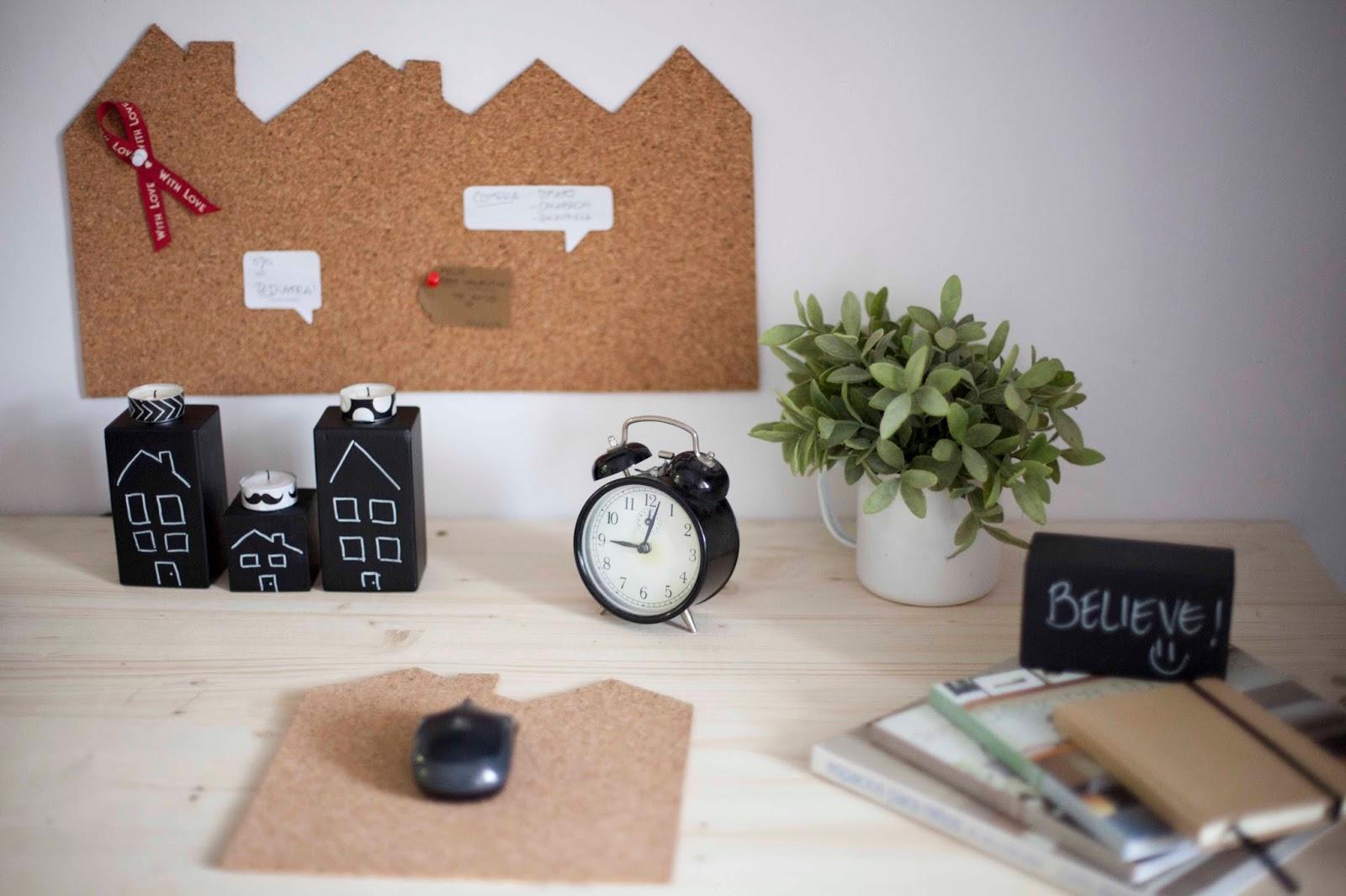 Cómo hacer un tablón de corcho con forma de casa