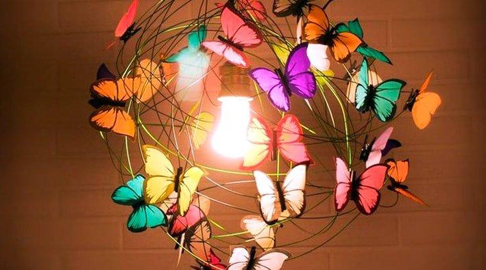 Cómo hacer una lámpara con alambre y papel de colores