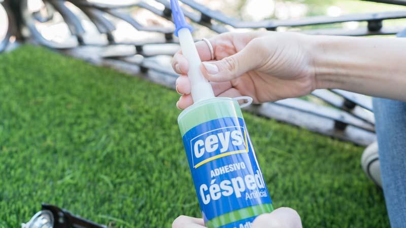 Adhesivo para pegar césped artificial de Ceys