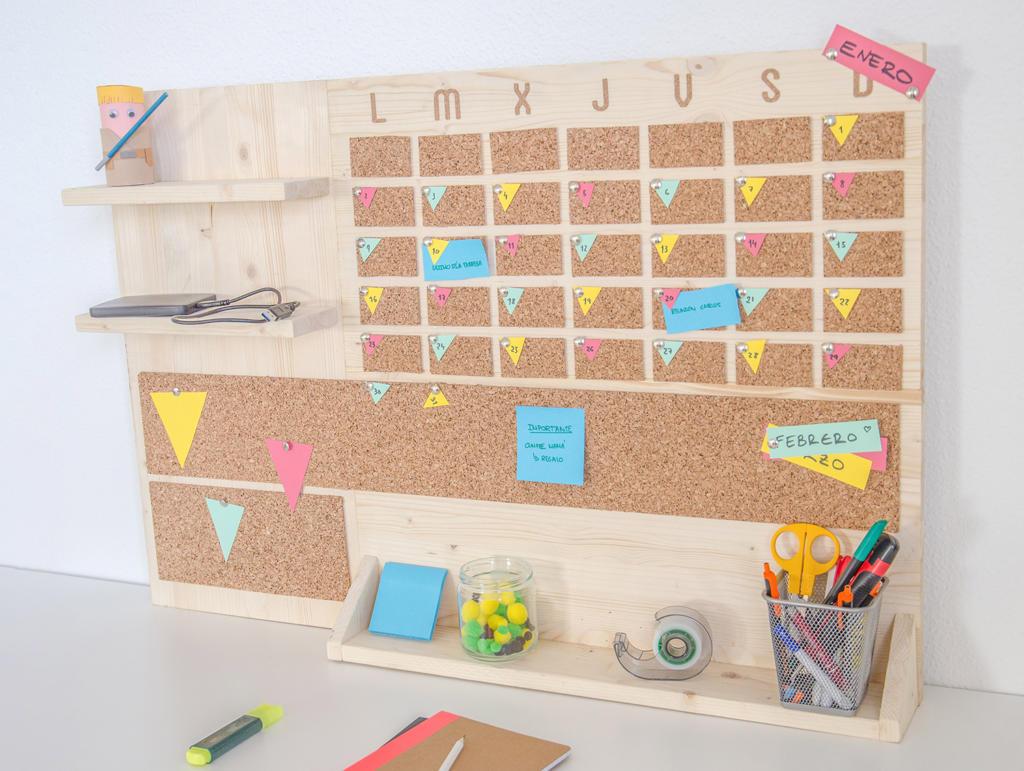 Organizador mensual para escritorio