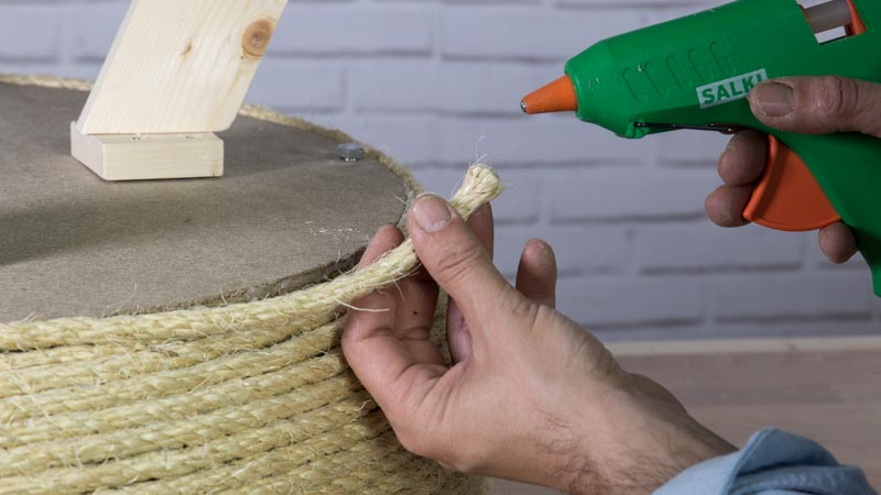 Decoración de la mesa casera con cuerda