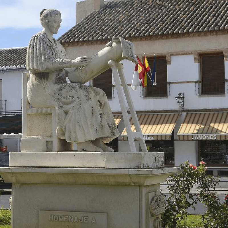 Estatua de las encajeras en Almagro