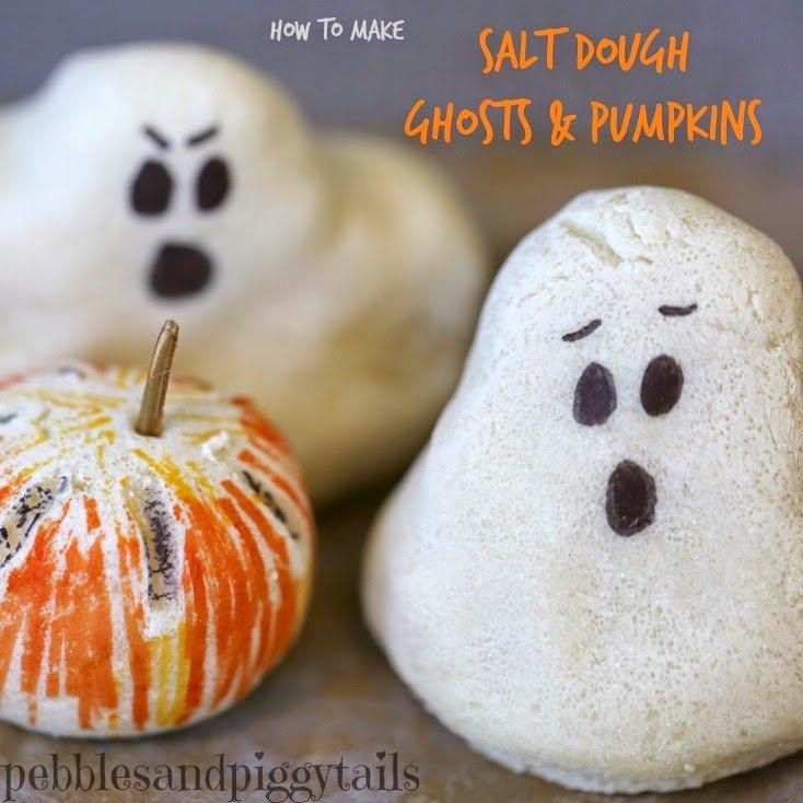 Fantasmas caseros con masas para Halloween