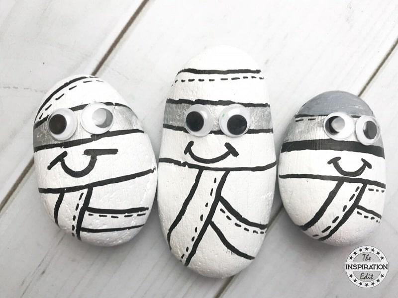 Piedras pintadas con motivos de Halloween