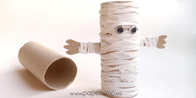 Momias con rollos de papel higiénico