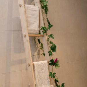 Escalera decorativa con madera