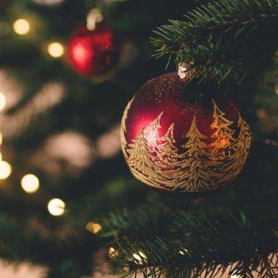 Bolas de Navidad: manualidades para decorar el árbol