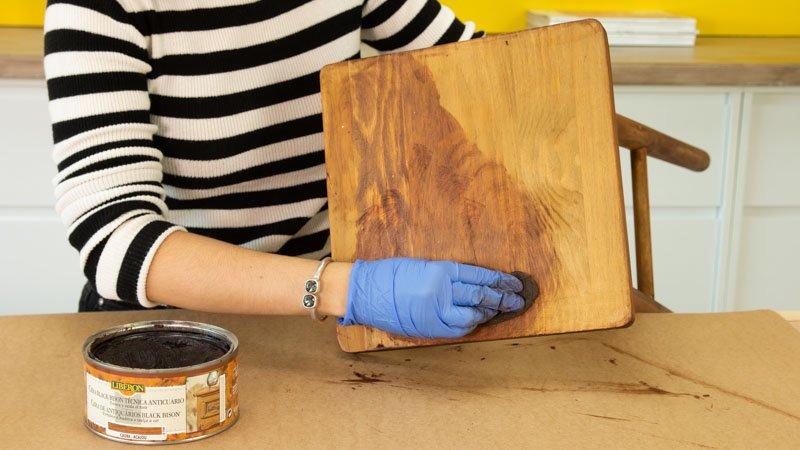 Encerado del mueble de madera