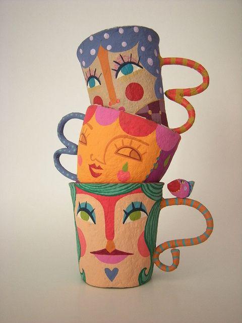 Cómo decorar una taza con papel maché