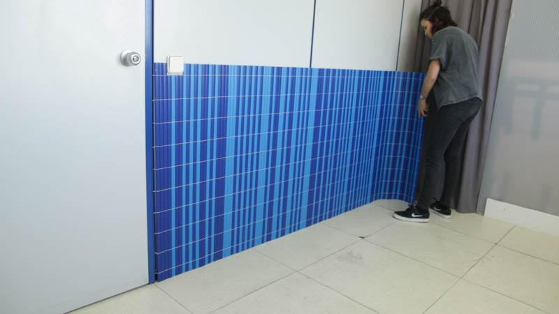 Cómo poner un panel decorativo en la pared
