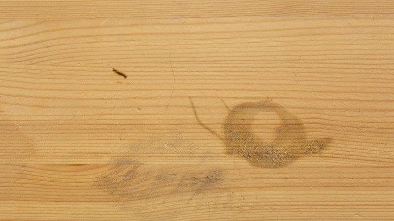 Cómo eliminar las manchas en una mesa de madera