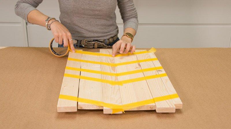 Creación del diseño del cuadro decorativo con cinta de carrocero